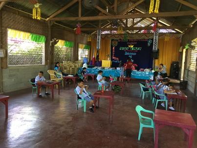 現地幼稚園