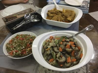 学校の食事、お野菜たっぷり